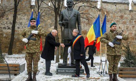 Dezvelirea statuii lui Iuliu Maniu la Cluj-Napoca FOTO