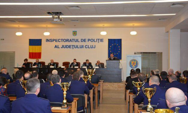 """""""POLIŢIA ÎN SLUJBA COMUNITĂŢII"""" Cei mai buni polițiști clujeni  au fost premiați în cadrul competiției FOTO"""