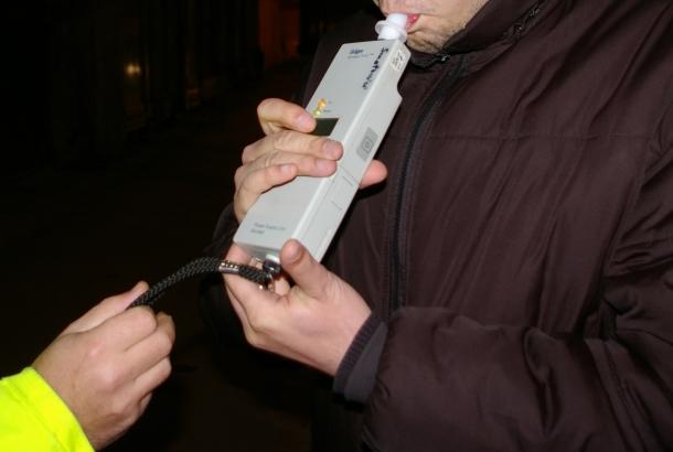 Cluj: Aproape de comă alcoolică la volan. Doi șoferi au fost reținuți de polițiști