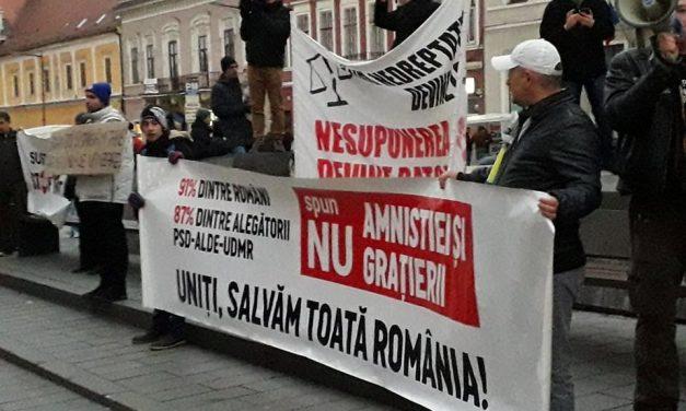 Protest la Cluj! UPDATE  Mii de persoane au ieșit în stradă  FOTO-VIDEO