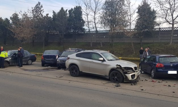Accident cu 9 mașini pe strada Gării FOTO