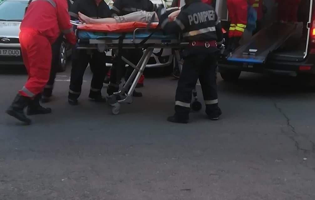 Persoană căzută de la etaj pe strada Parâng FOTO