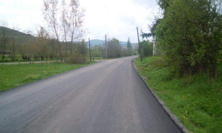Cluj: A fost finalizată așternerea primului strat de asfalt pe drumul județean 109A, pe raza localității Panticeu  FOTO