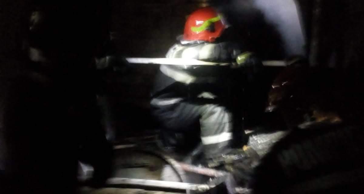 Incendiu în Chinteni! O anexă gospodărească a fost distrusă de  flăcări FOTO