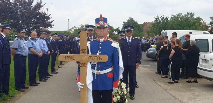 Înmormântarea polițistului Cristian Amariei, împuscat în misiune lângă Timișoara VIDEO