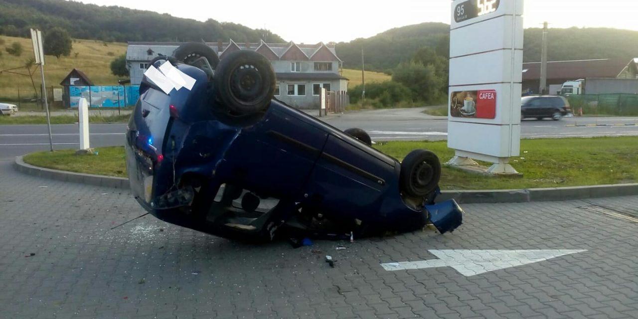 Accident la ieșire din Vâlcele. O persoană a ajuns la spital FOTO