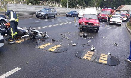 Accident pe Calea Turzii. Un scuterist a ajuns la spital FOTO