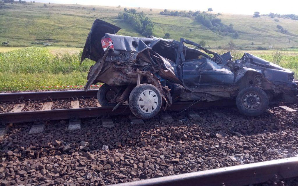Cluj: S-a urcat la volanul unui autoturism, deși nu avea permis. A cauzat un accident feroviar mortal