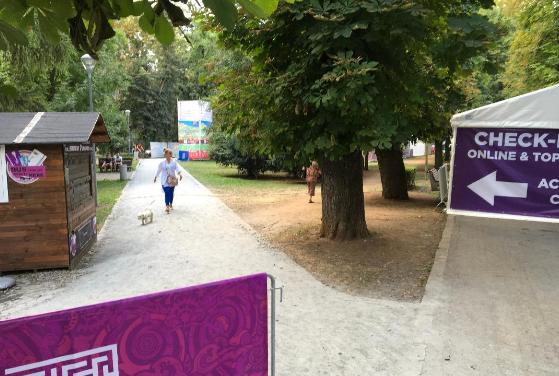 """CTP Cluj facilitează transportul public al festivalierilor : """"Am deschis și """"Căsuța cu carduri și bilete"""" la intrarea în festival"""""""