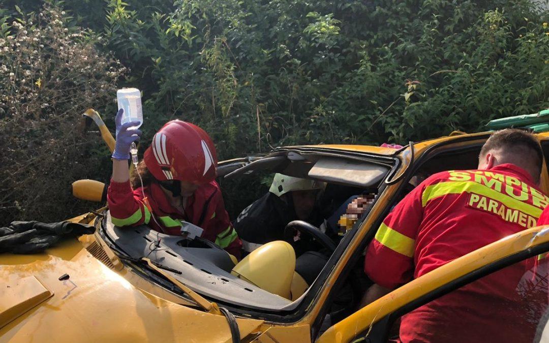 Accident în Căianu Vamă. Un autoturism s-a răsturnat FOTO