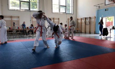 Ediția a 3-a a Cupei Transilvania de para -karate pentru persoane cu dizabilități. Câte locuri a obținut sportiva din Cluj-Napoca FOTO