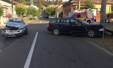 Accident cu patru victime pe strada Stefan Cicio Pop din Dej FOTO
