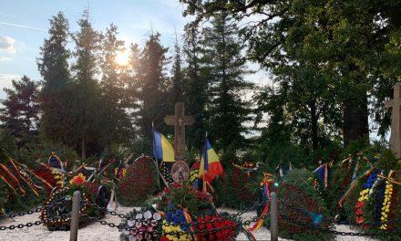 Memoria maestrului Dumitru Fărcaș, cinstită la Țebea. Gorunul, preferatul regretatului taragostit