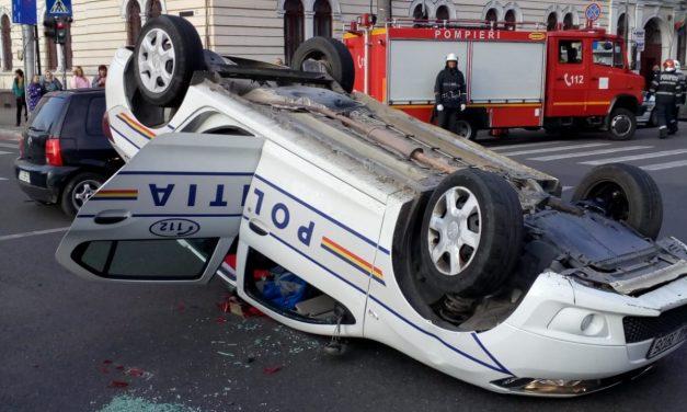 Mașină de Poliție răsturnată FOTO