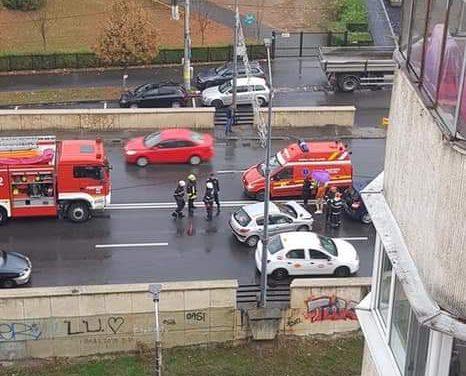 Accident cu trei mașini pe podul Calvaria