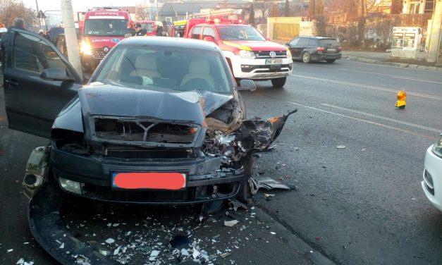 Accident cu patru victime pe strada Frunzisului, după ce un șofer a pătruns pe contrasens FOTO