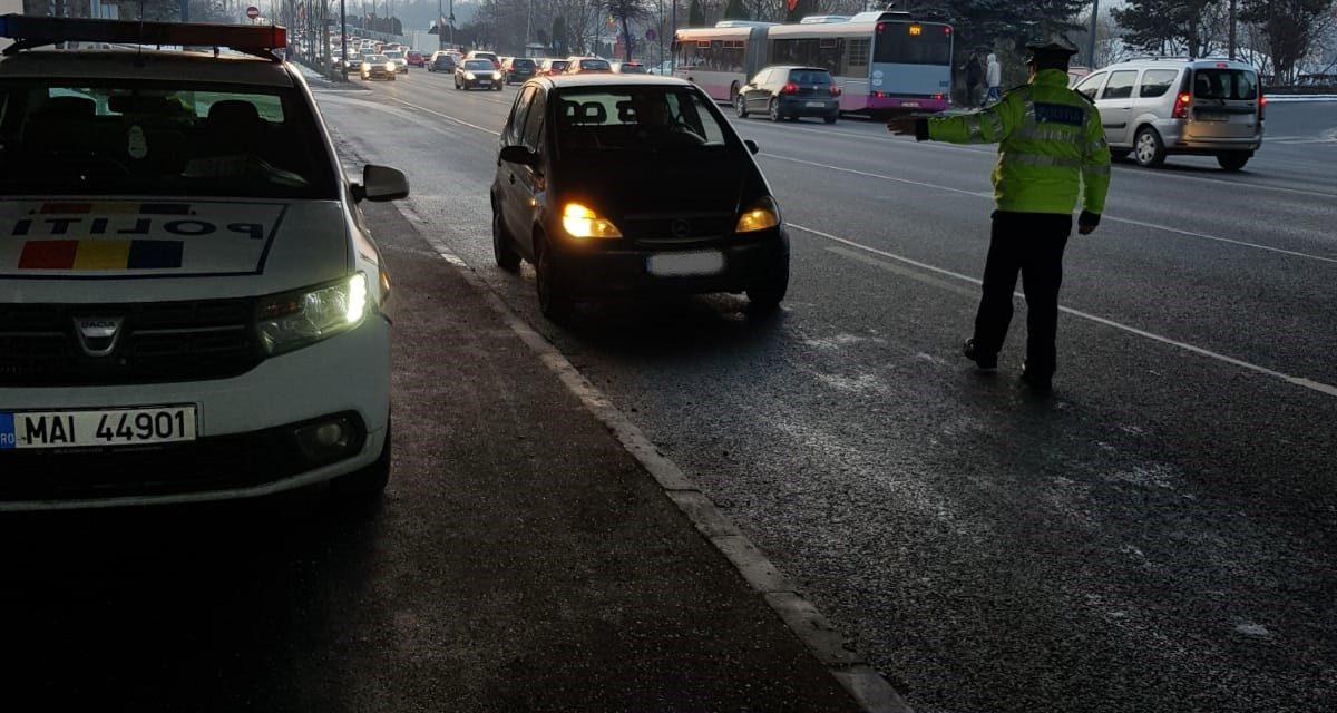 Razie de amploare pentru prevenirea accidentelor. Polițiștii au reținut 29 de permise de conducere și au retras 9 certificate de înmatriculare FOTO