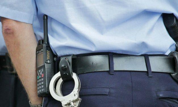 Polițiști trimişi în judecată pentru proxenetism şi abuz în serviciu