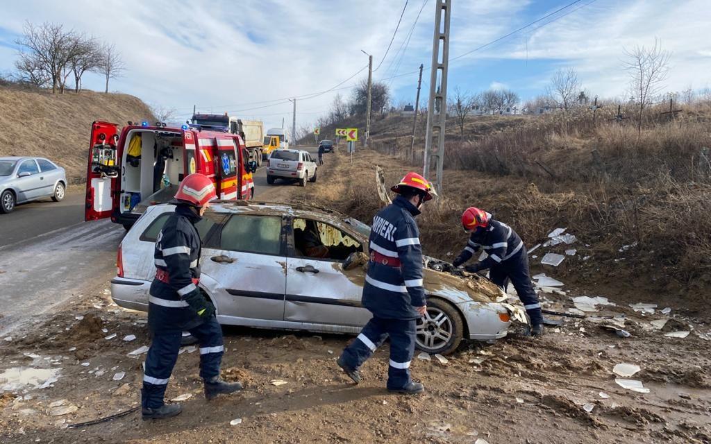 Accident la ieșire din Deușu FOTO