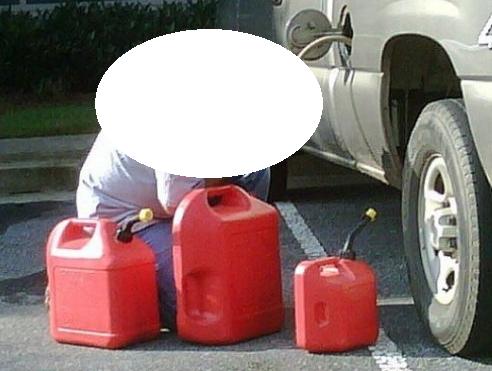Furt de combustibil într-o parcare din Mănăștur. O persoană a fost reținută de  polițiști