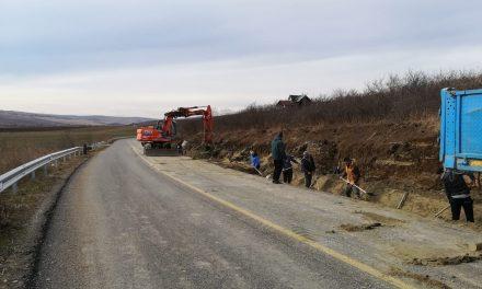 S-au reluat lucrările de modernizare pe Drumul Bistriței