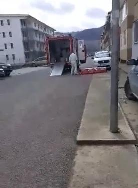 STAȚI ÎN CASĂ