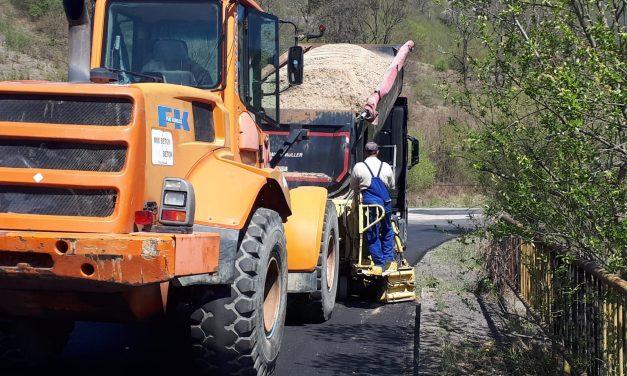 Lucrări de asfaltare pe tronsonul Băișoara – Iara – Surduc – Buru (DN 75) – limită cu județul Alba FOTO