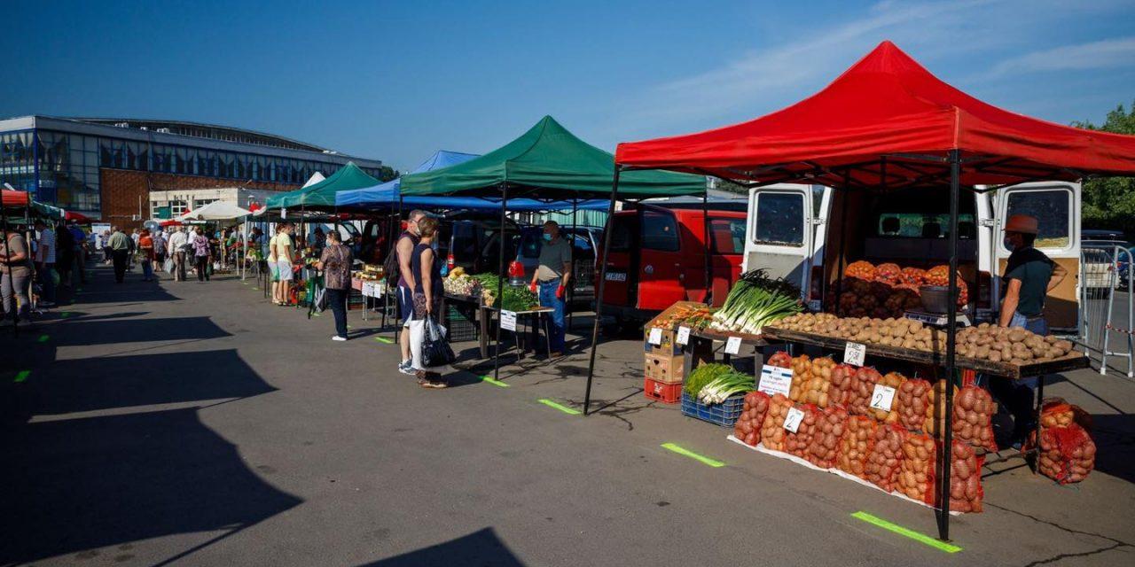 Cluj: S-a deschis piata volantă de la Sala Sporturilor