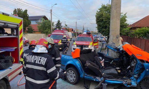 Accident GRAV în Someșeni. Trei persoane încarcerate FOTO