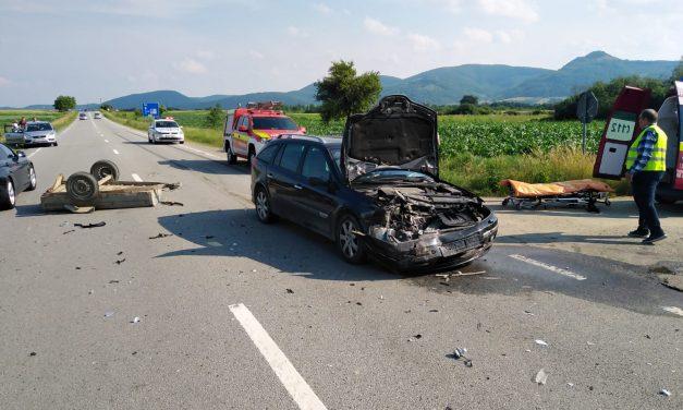 Accident cu două victime la ieșire din Câțcău  FOTO