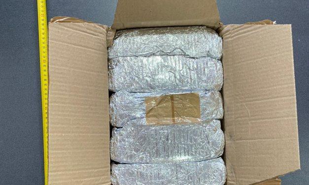 11 percheziții domiciliare în Cluj-Napoca, Turda, și Florești la traficanți de droguri