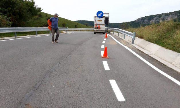 Marcaje rutiere pe 50 de kilometri de drumuri județene