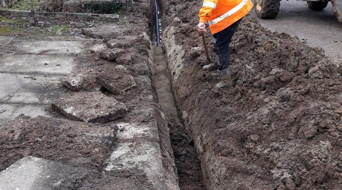 CLUJ: Au început lucrările de alimentare cu apă și canalizare în orașul Huedin și în satele din jur