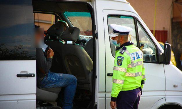 Polițiștii clujeni au amendat persoanele care nu purtau mască