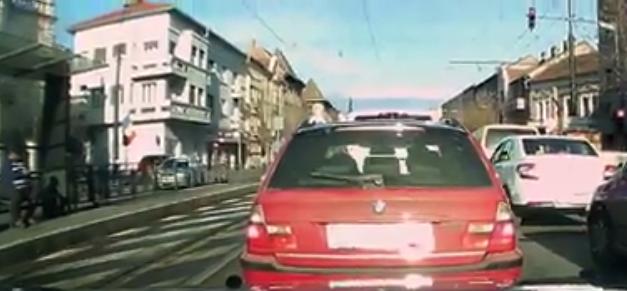Pieton lovit de un autoturism pe strada Horea VIDEO