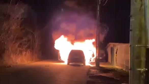 Autoturism cuprins de flăcări pe Calea Turzii VIDEO