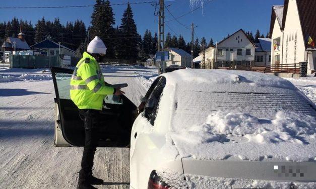 Circulație în siguranță, în condiții de iarnă. Recomandările polițiștilor rutieri clujeni