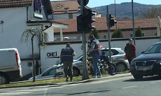 Accident pe Câmpului! Un motociclist a ajuns la spital