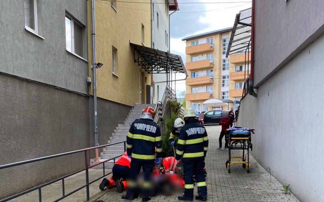 Persoană căzută de la înălțime în Gheorgheni FOTO