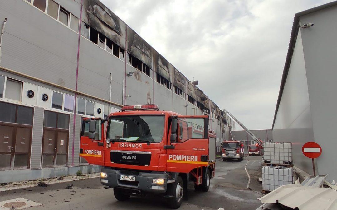 Incendiu la fabrica de hârtie din Dej Video